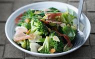 Salata cu broccoli si sunca