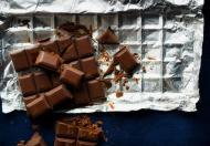 Antioxidanti naturali: Ciocolata neagra poate atenua efectele nefaste ale razelor solare