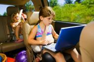 10 lucruri pe care trebuie sa le iei in masina, pentru distractia copiilor