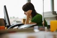 Paradoxal, angajatii care navigheaza pe internet in timpul serviciului sunt mai eficienti