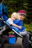 Cum opresti imbrancelile si loviturile dintre copii: prietenia dintre frati se cultiva de cand sunt mici