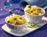 Salata de cartofi cu branza, ananas si iaurt