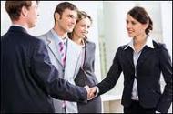 Client vechi, potential client - pe cine prezinti intai?