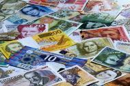 Euro a scazut la minimul ultimelor sase luni fata de dolar
