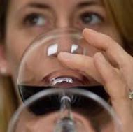 Femeile consuma mai mult alcool dupa casatorie