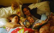 De ce e important sa le citesti copiilor povestea de seara