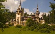 BCR: Romania trebuie sa atraga investitii in turism, sa dezvolte drumurile si calitatea serviciilor