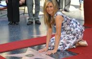 Actrita Jennifer Aniston a primit o stea pe Aleea Celebritatilor de la Hollywood