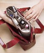 14 lucruri care nu trebuie sa-ti lipseasca din geanta