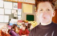 Elevii care mesteca guma au rezultate mai bune la examene