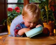 Cum sa il faci sa manance pe copilul care nu vrea