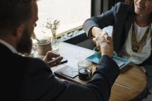 7 Reguli invechite de care nu trebuie sa mai tii cont la prima intalnire