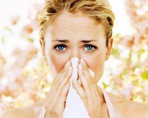 Sfatul specialistului: cum scapam de alergia de sezon, ochi rosii si simptomele de raceala