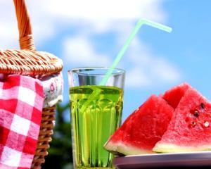 5 alimente recomandate pe timp de canicula