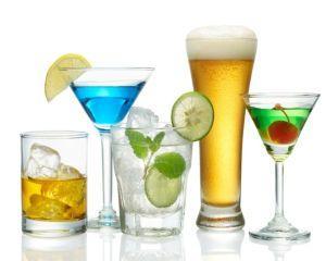 5 bauturi alcoolice care te ingrasa