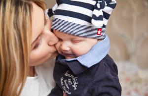 Cum imbracam corect bebelusii in functie de temperatura?