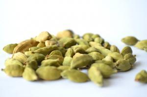 Beneficiile consumului de cardamom. Iata motivele pentru care trebuie sa consumi acest condiment