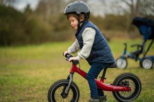 Bentley a facut o bicicleta pentru copii. N-are pedale!