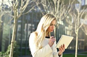 4 cauze ale raririi si caderii parului la femei