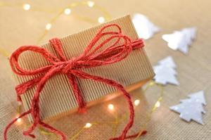 Traditii de Mos Nicolae: iata ce cadouri NU este bine sa oferi!