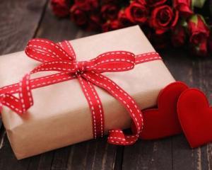 Idei de cadouri pentru partenerul tau de Ziua Indragostitilor