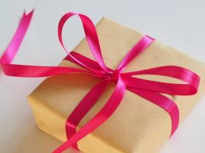 8 idei de cadouri pentru aniversarile celor dragi