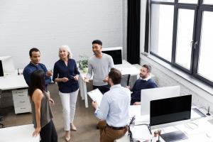 Cadouri simpatice pentru colegii de birou: 5 idei