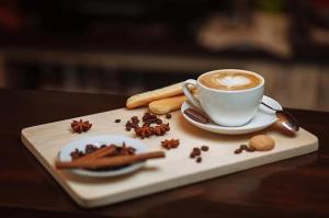 Cafeina in timpul sarcinii: Mituri si adevaruri pe intelesul fiecarei mamici