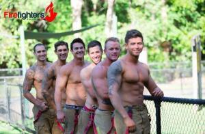 Pompierii australieni te fac sa iei foc! Au pozat sexy pentru un calendar caritabil!