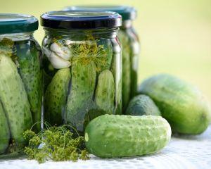 Castravetii, ideali pentru detoxifiere si slabire