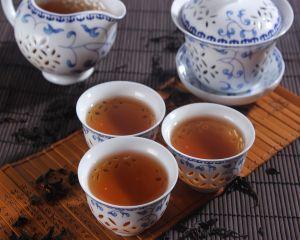4 ceaiuri care lupta impotriva obezitatii