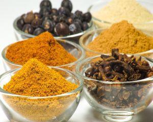 8 condimente care fac minuni pentru sanatatea ta