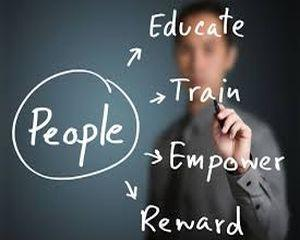 Vrei sa devii Consultant orientare privind cariera? Acum poti urma un curs in domeniu!