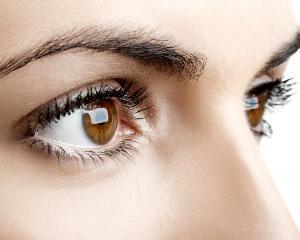 Cum sa-ti protejezi ochii atunci cand stai mult la calculator