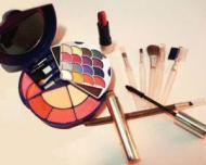Riscurile cosmeticelor contrafacute: cum le deosebim de cele originale