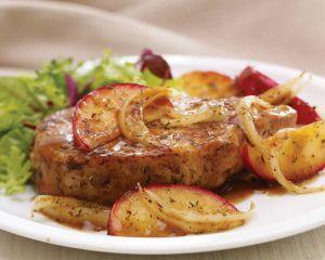 Cotlet de porc cu mere - o mancare gustoasa si usor de preparat