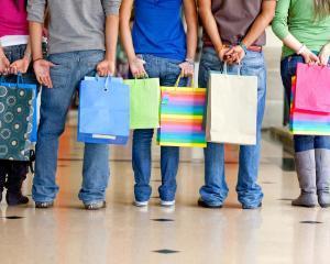 Adolescentii sunt cei care influenteaza cele mai multe decizii de cumparare ale adultilor