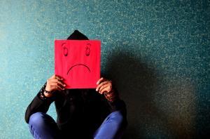3 celebritati care s-au luptat cu depresia