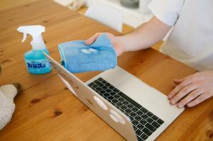 5 ponturi pentru dezinfectarea eficienta a suprafetelor