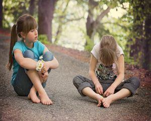 Tot mai multi copii sunt irascibili si sfideaza regulile adultilor. Ce ne sfatuieste psihologul