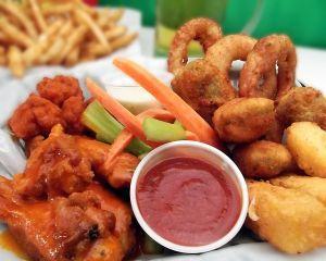 De ce aleg consumatorii romani restaurantele de tip fast-food