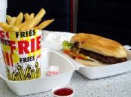 McDonald's inlocuieste cartofii prajiti cu salata, fructe sau legume
