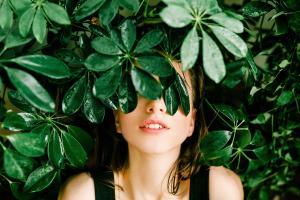 Efectele lipsei de incredere: cum sa ai incredere in tine pentru a cladi relatii sanatoase cu cei din jur
