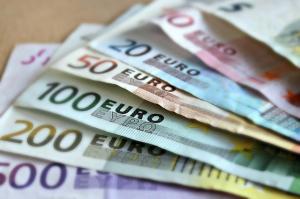 A uitat o geanta cu 40.000 euro in autobuz. Ce s-a intamplat dupa te va uimi!