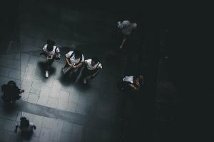 Cimpeanu, Educatie: Schimbul de obiecte personale este interzis in scoli