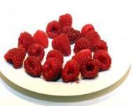 Un desert gustos si sanatos: Tarta cu fructe de padure