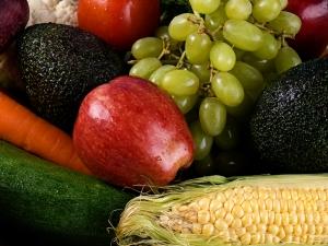 Fructe si legume cu chimicale: cat de sigure sunt pentru organism? Sfaturi privind reducerea riscurilor asociate consumului acestor produse