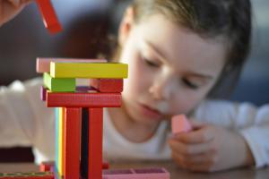 Jucarii educative pentru copii - 5 Recomandari de jocuri si jucarii potrivite pentru copiii pana in 7 ani