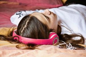 5 Obiceiuri nesanatoase pentru creier