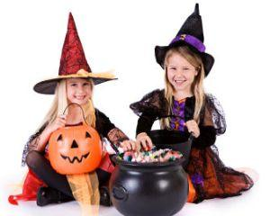 Elsa, Sofia si Batman - personajele in care se vor costuma copiii de Halloween